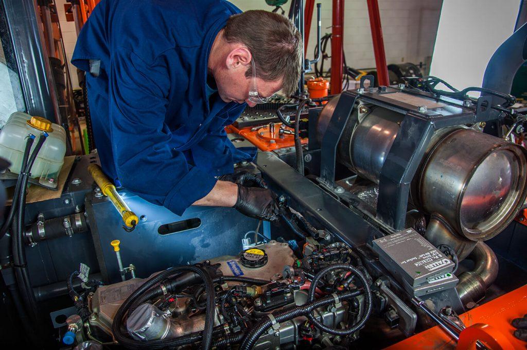Doosan Engine Removal 3